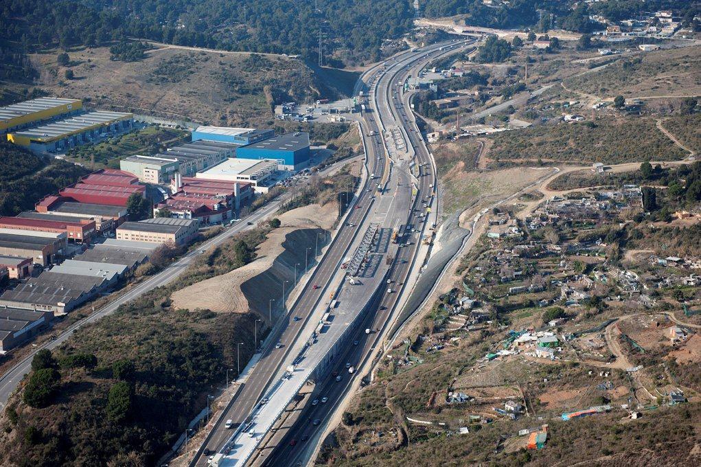 Carril reservado en la  Autopista C58
