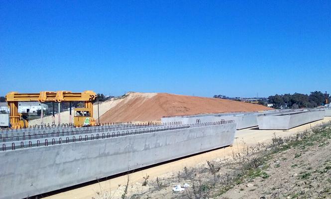 SE-40. Arranca el nuevo tramo de la autopista, encomendando a PACADAR el suministro de 112 vigas cajón prefabricadas